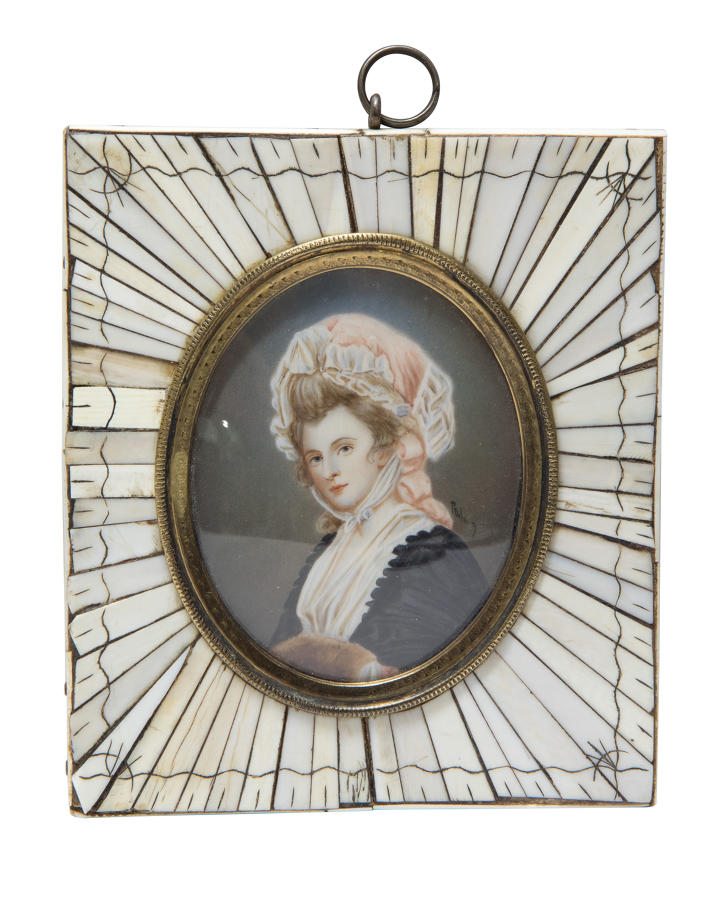 19thC English hand-painted portrait miniature of Mrs Robinson