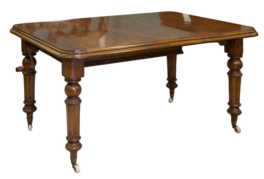 Victorian single leaf mahogany dining table