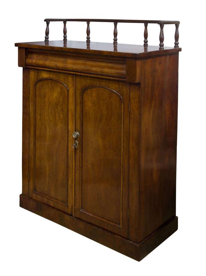 Early 19th C mahogany chiffonier